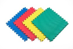 Solid Color Interlocking Foam Mats